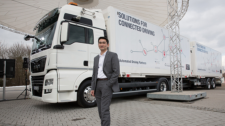 PLATOONING WHEN AUTOMATED TRUCKS DELIVER YOUR GOODS - 2